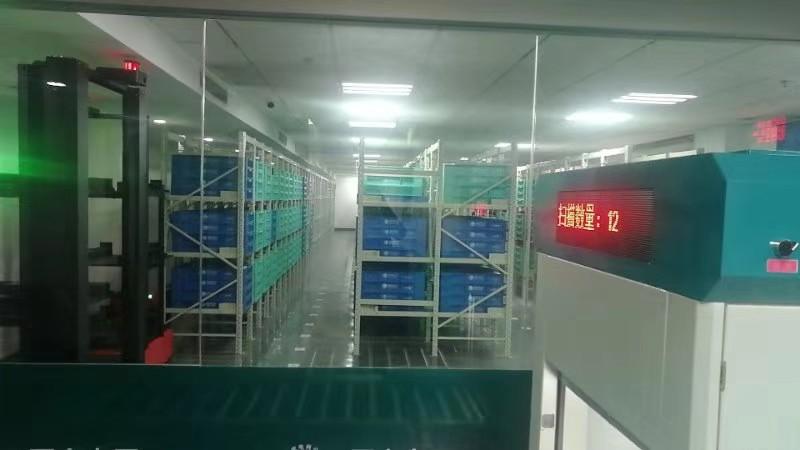 智能立库货箱式AGV